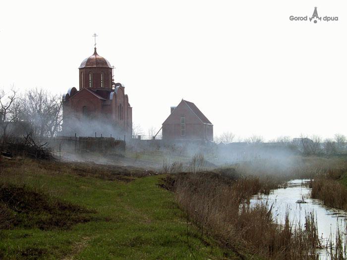 Свято-Покровский храм на ж/м Ломовка (Фрунзенский)