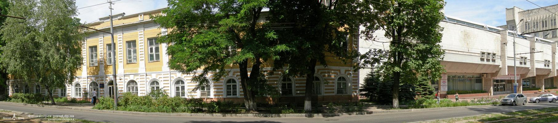Октябрьская пл.  медицинская академия