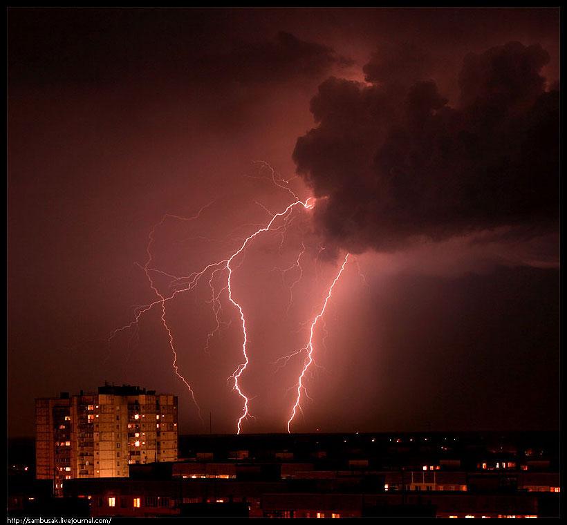 http://gorod.dp.ua/photo/2007/k/konyuhov/storm02-0507.jpg