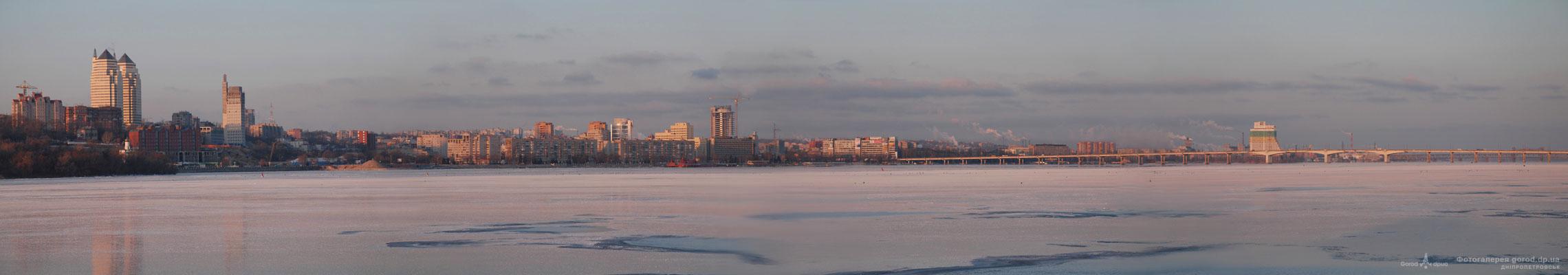 Панорама зимнего города