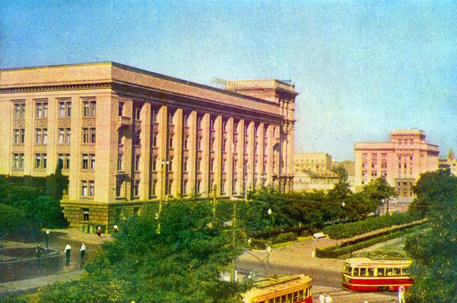Угол ул. Карла Либкнехта и просп. Карла Маркса