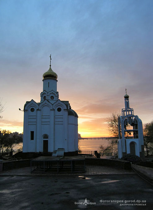 Храм Св. Николая, Монастырский остров