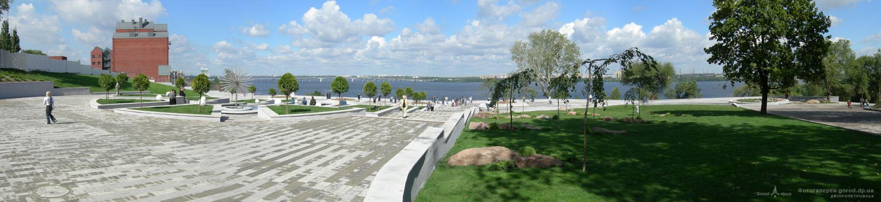 Панорама смотровой площадки в парке Шевченко