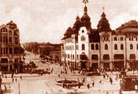 Угол Первозвановской (Короленко) и Екатерининского проспекта