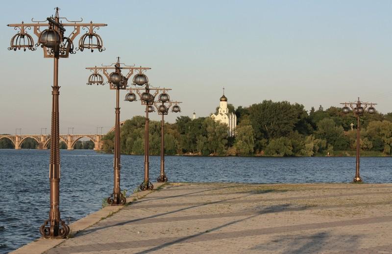 http://gorod.dp.ua/photo/usergorod/2009/08/10/27220.JPG