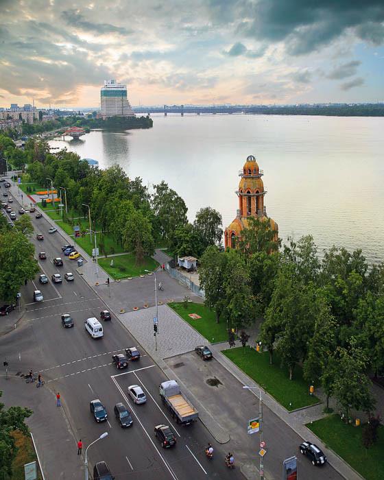 http://gorod.dp.ua/photo/usergorod/2009/08/17/27353.jpg