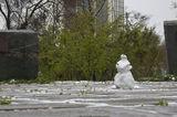 Апрельский снеговик