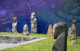 Каменным бабам рисуют новый фон