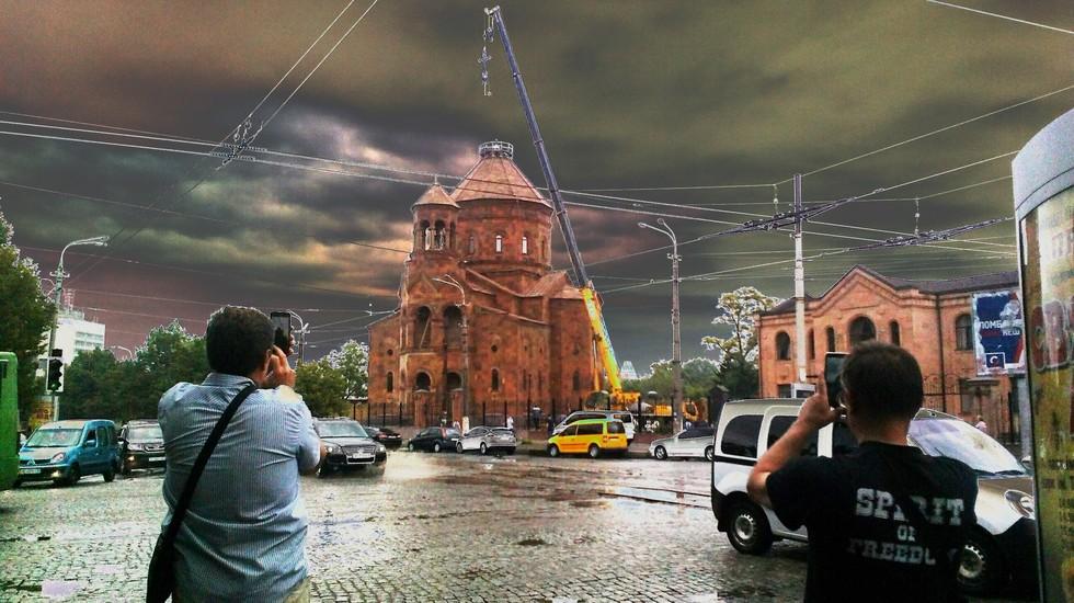 Хрест над Армянською церквою