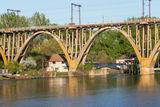 У моста )