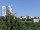Памятник Славы и больница Мечникова