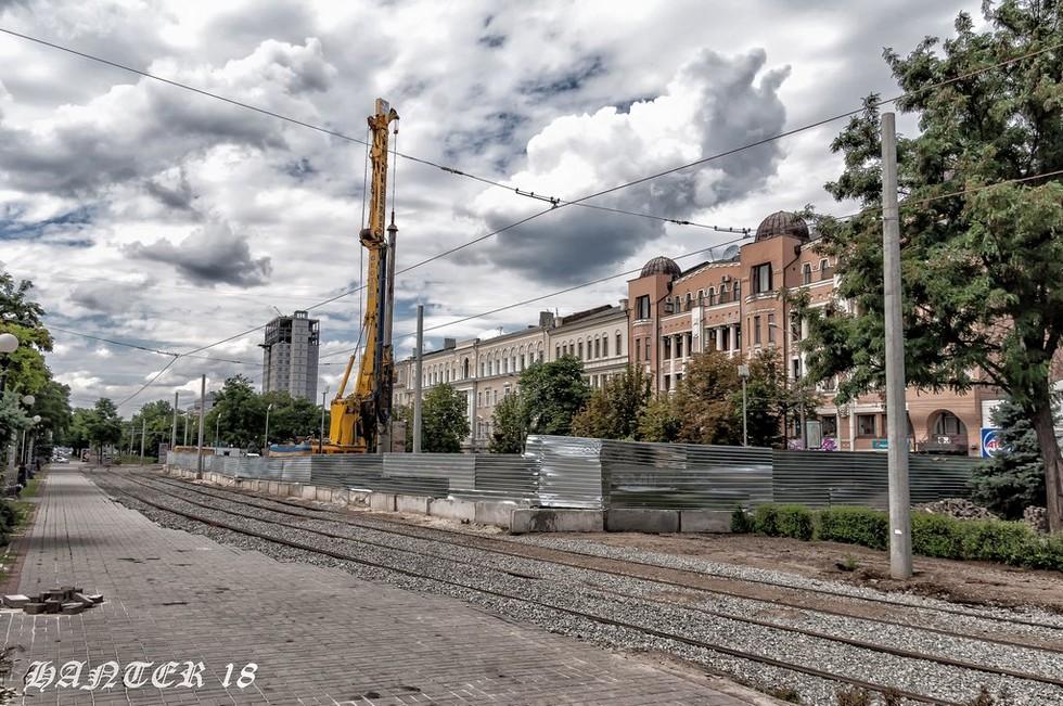 Строительство метро.