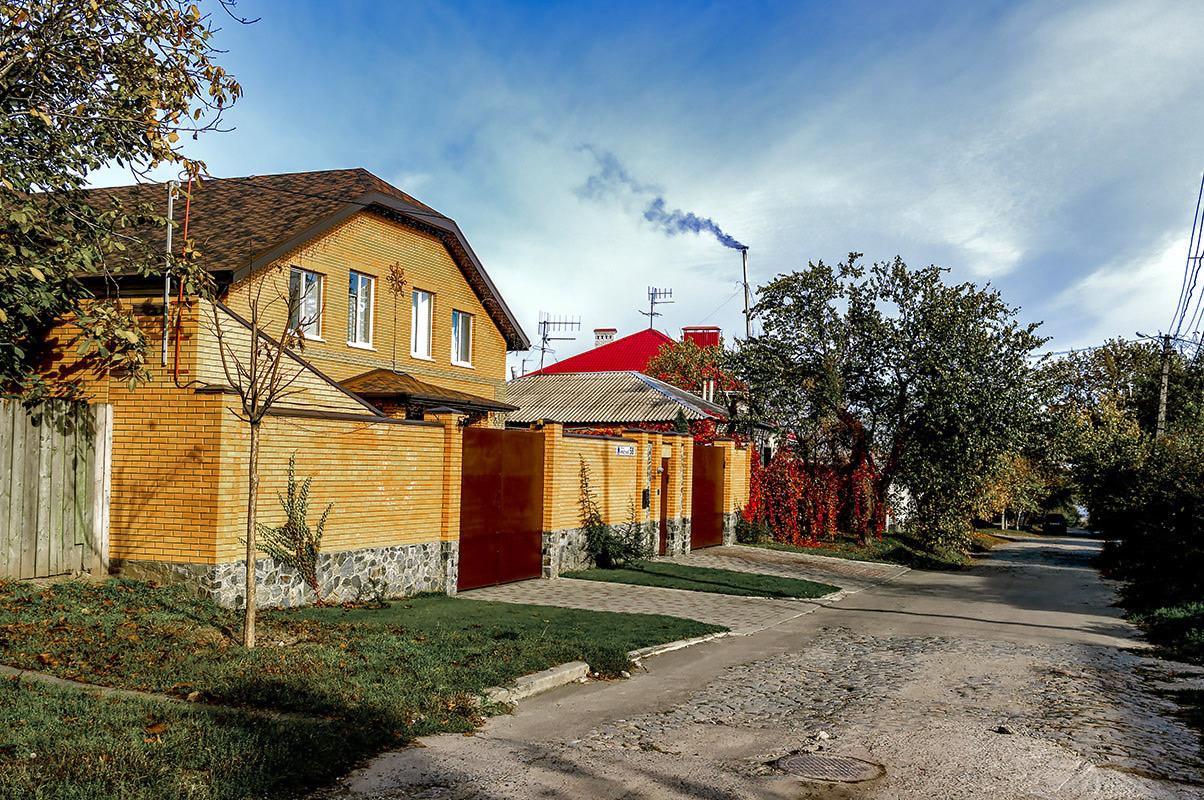 На улице Троицкой (Красной)