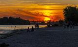Мануйловский пляж на закате дня