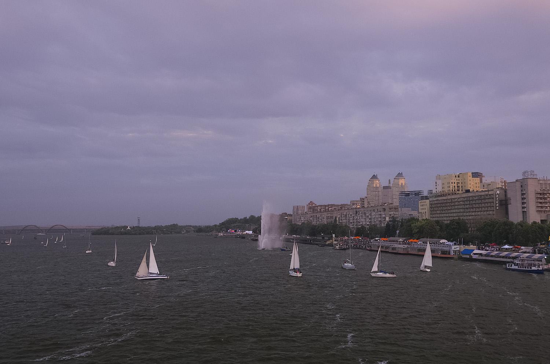 День города: Водное шоу на закате