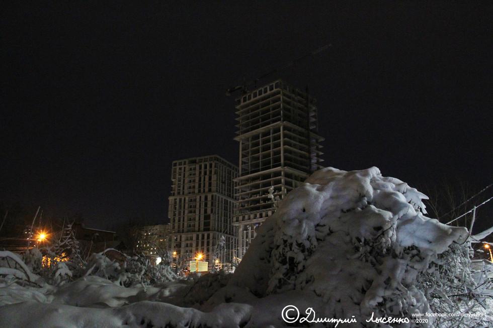 Небоскрёбы из-под снега