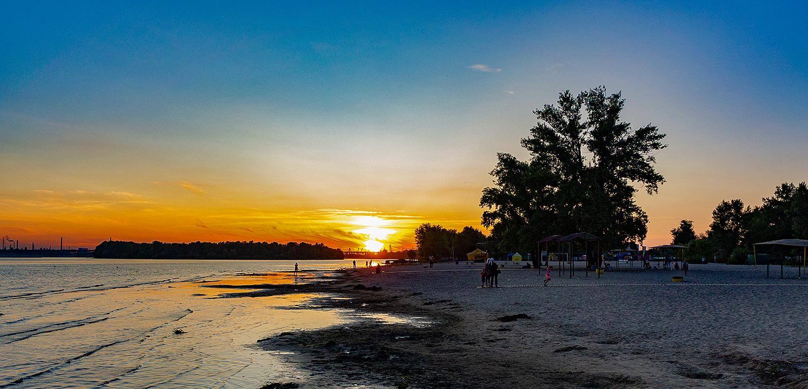 Закат на Мануйловском пляже
