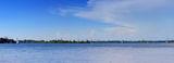 Берег правый, берег левый между ними Монастырский остров