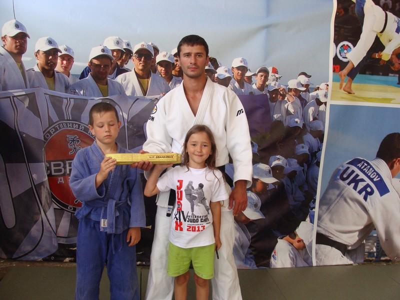 Дочь тоже обожает посещать спортивные соревнования Чемпион мира Ренат Мирзалиев: «Уйти из спорта невозможно»