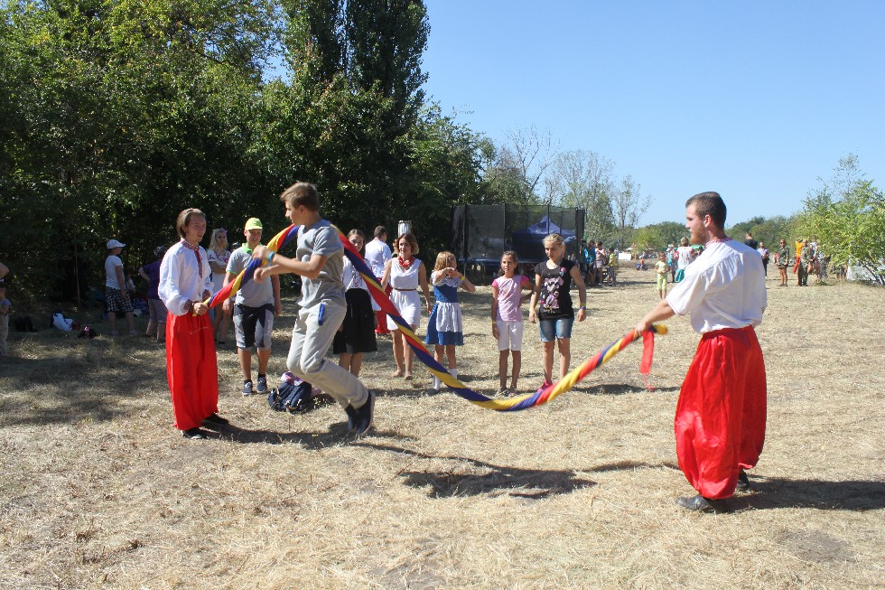 «Самар-Днепр-Фест» еще до официального открытия собрал тысячи горожан