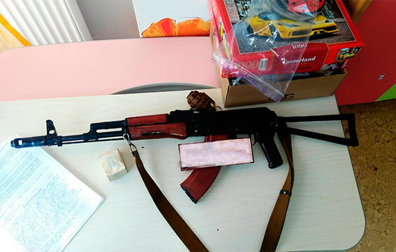 В элитном коттеджном городке под Днепром в Рождество задержали вооруженного опасного стрелка