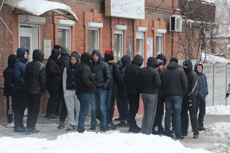 Днепровские войны продолжаются: минирования и толпы вооруженных людей в разных районах Днепра