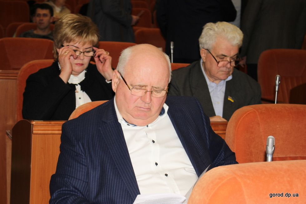 Депутаты горсовета заседали целый день
