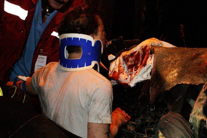 Страшное ДТП на Набережной Заводской: тело парня вырезали из разбитого авто