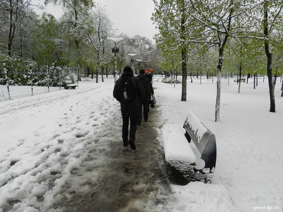 Днепр утонул в снегу