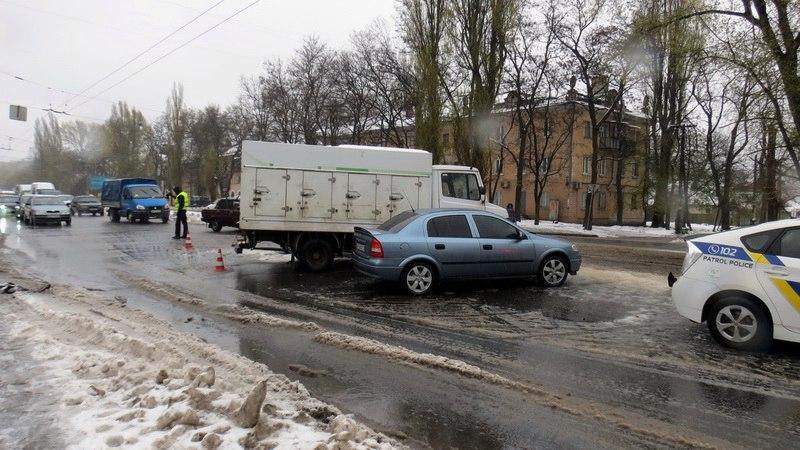 Тройное ДТП на Богдана Хмельницкого: подробности и видео с регистратора