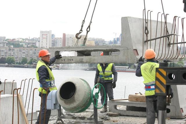 Борис Филатов и Михаил Лысенко проинспектировали ход работ на Центральном мосту