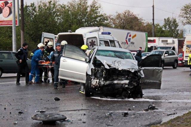 Авария с пострадавшими на Набережной: подробности происшествия