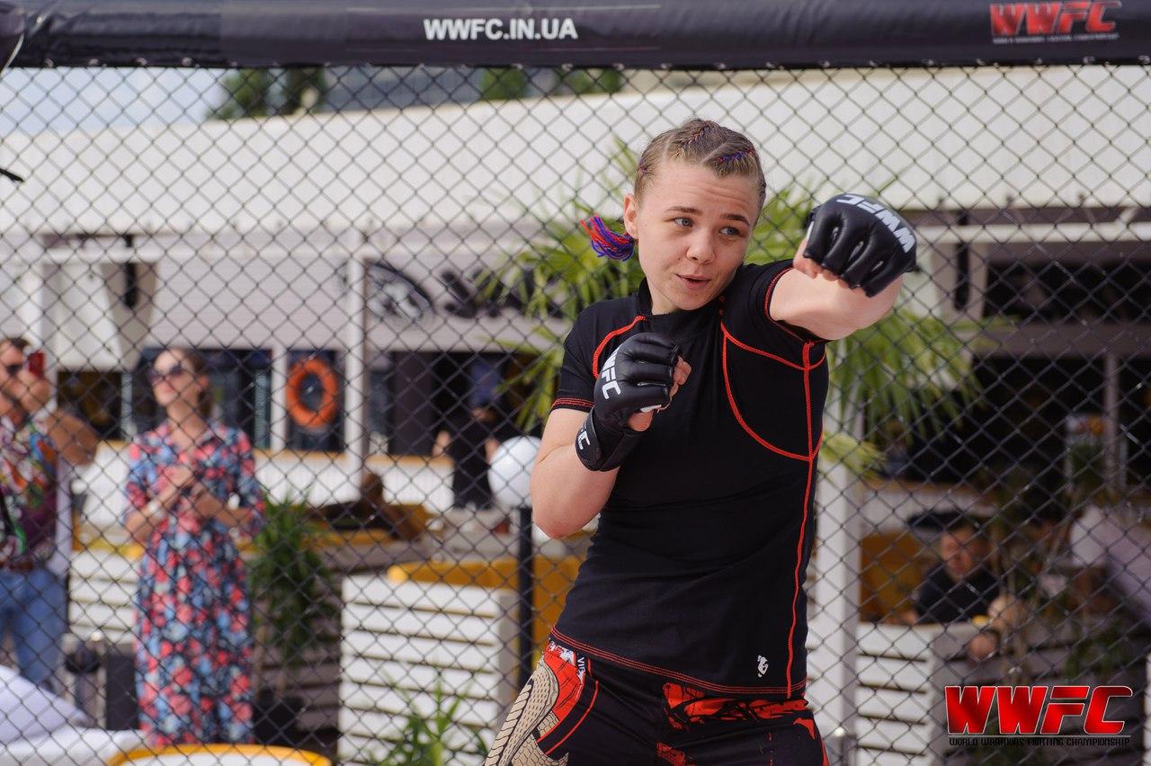 Каменчанка Светлана Гоцык стала чемпионкой мира по смешанным единоборствам