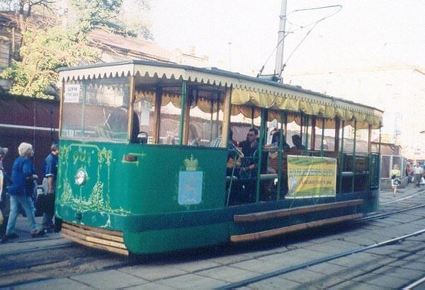Ретро-трамвай, построенный к 100-летию этого вида транспорта