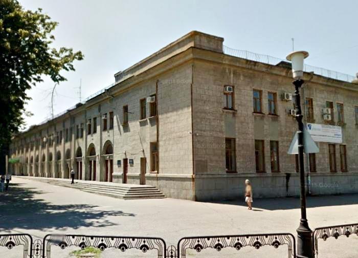 Ограда у Центральной проходной ЮМЗ. Ворота в прошлое: ограды Днепропетровска