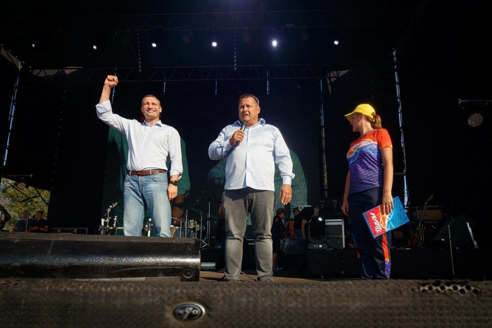 Борис Филатов и мэр Киева Виталий Кличко побывали на набережной Днепра