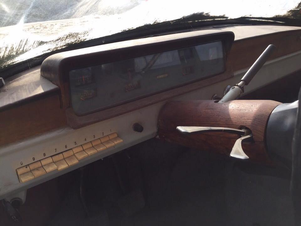Руль и приборная панель тоже были сделаны самостоятельно. Тайны самодельных авто: «Балтика» с берегов Днепра