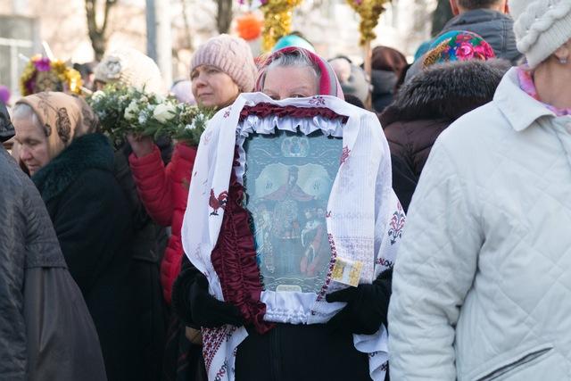 В Днепре прошел Крестный ход против абортов