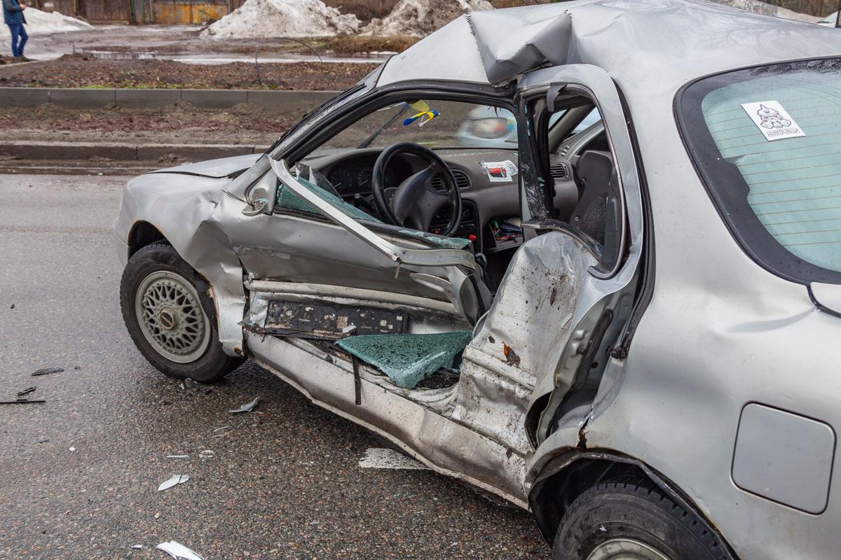 Смертельная авария на Набережной Победы: столкнулись Toyota Prado и Kia