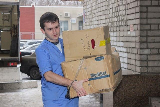 Гуманитарную помощь из Франции уже второй раз доставили в детскую областную больницу