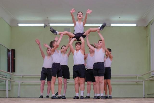 Юные артисты старательно готовятся к конкурсу