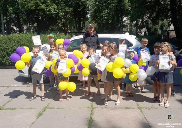 В Каменском полицейские посетили пришкольные детские лагеря
