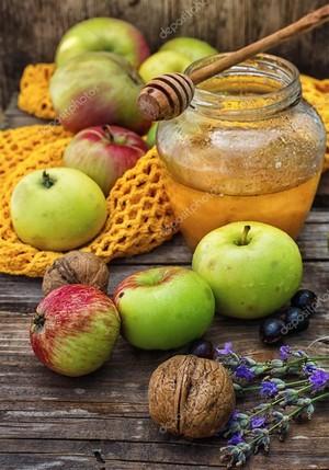 Яблуневий сад. Освячення меду та яблук. Гуляння на етно-хуторі