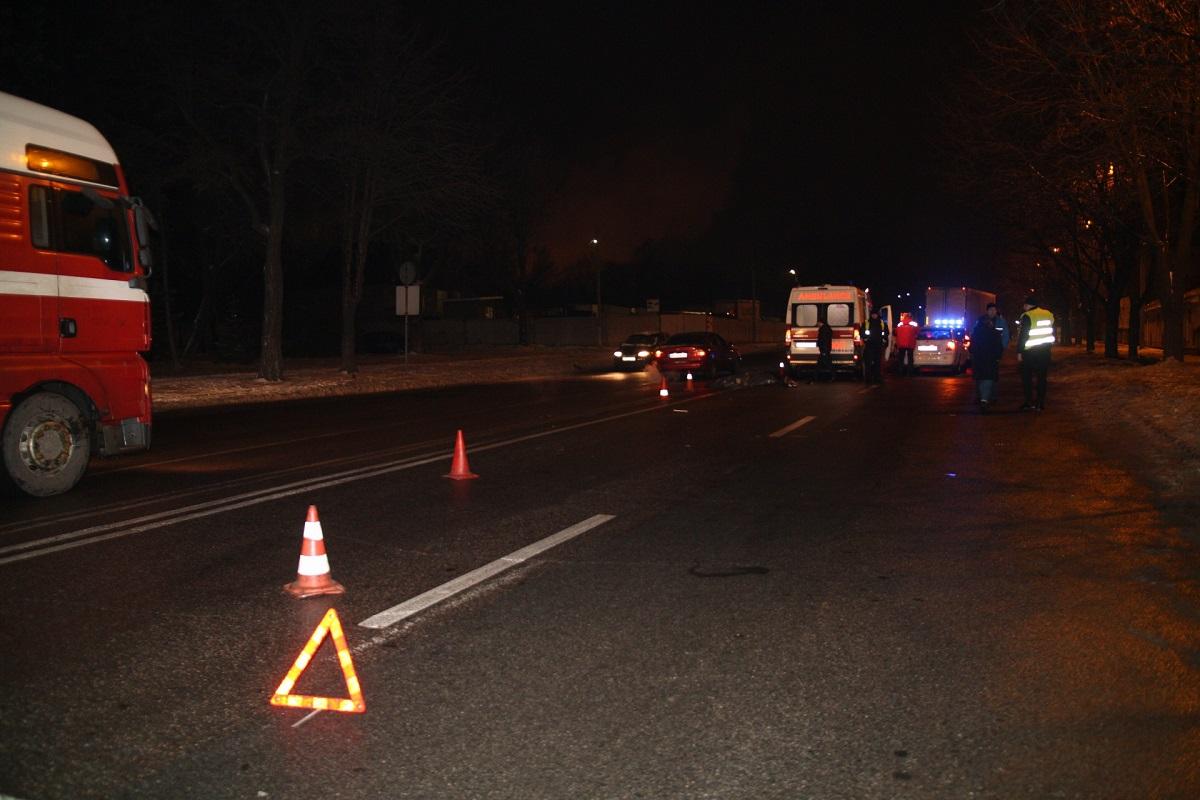 В Днепре на проспекте Нигояна Chevrolet насмерть сбил женщину на пешеходном переходе