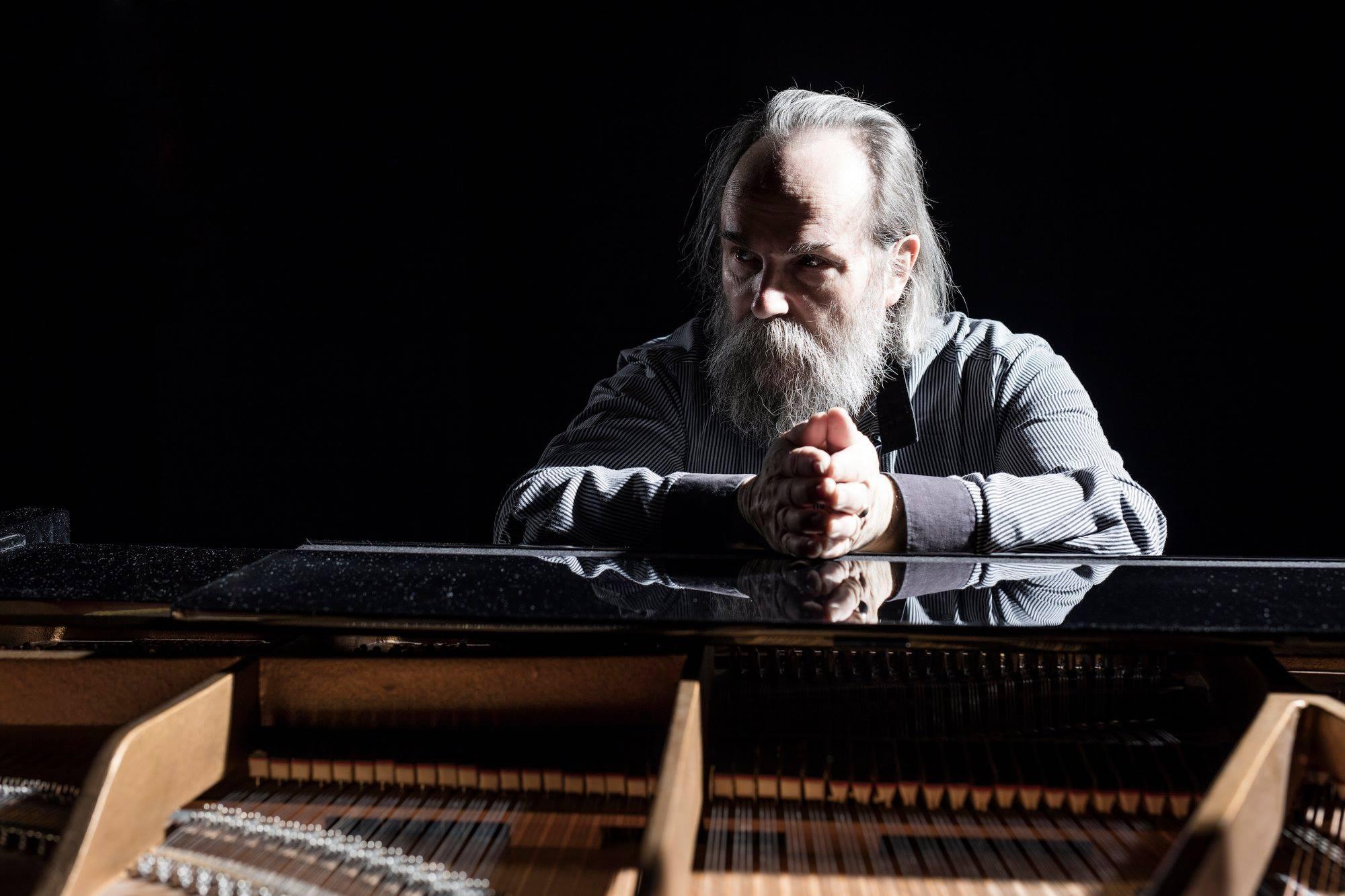 Самый быстрый пианист планеты Любомир Мельник снова посетит Днепр в рамках мирового тура