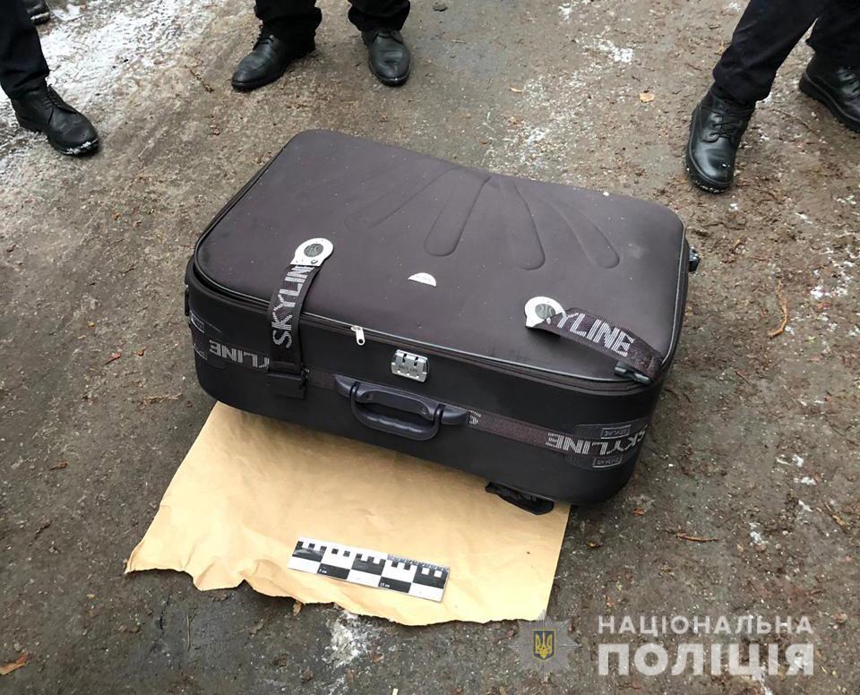 В Днепре на Победе в мусорном баке обнаружено тело девушки