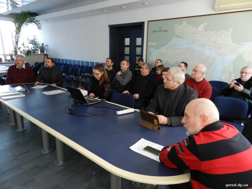 Подробности градсовета Днепра: на Игрени –  солнечная электростанция, на Запорожском шоссе – новый жилой комплекс