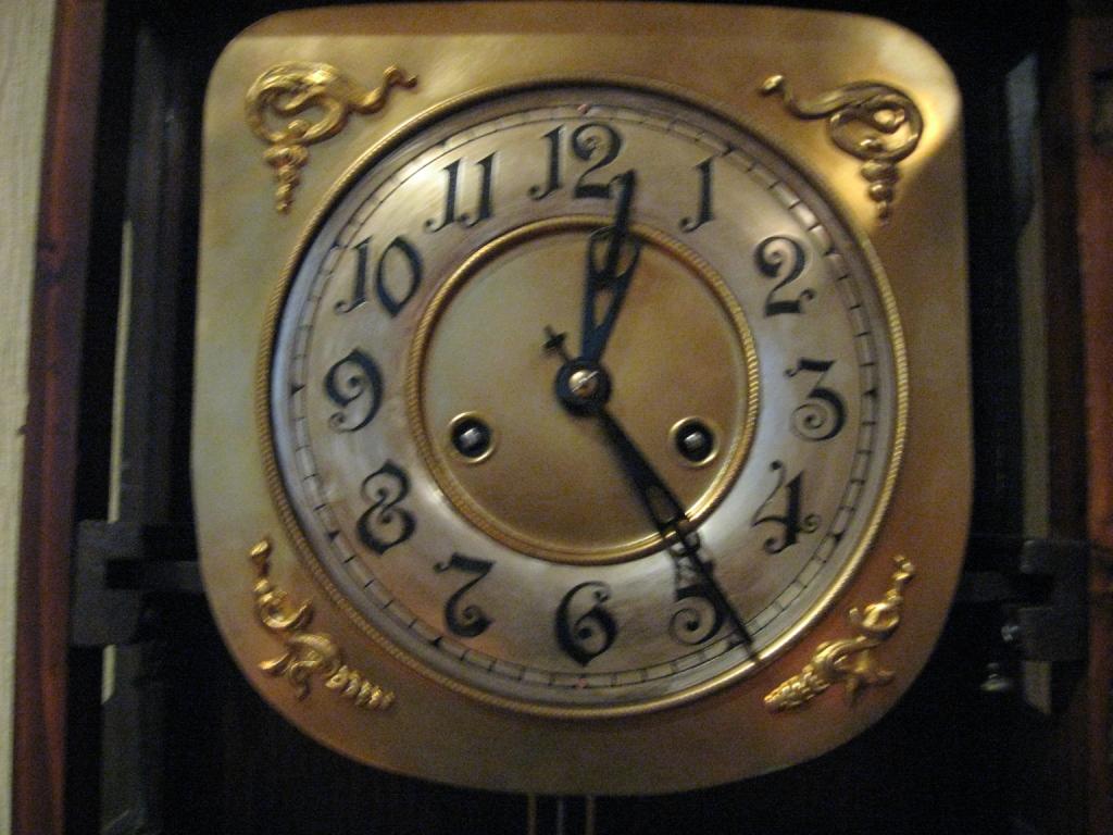 Часы компании «Gustav Becker» Хранитель времени
