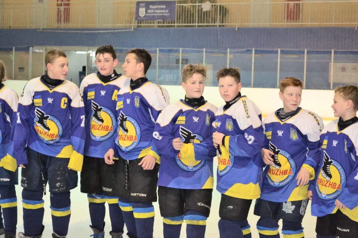 Хоккей в Днепре: мальчишки «рубились» по-взрослому