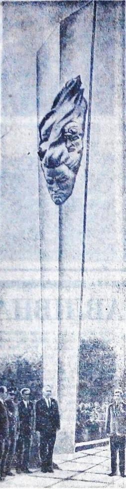 Открытие памятника экипажу самолета в парке в Кайдаках 24 октября 1967 года. Фото из газеты «Зоря». Люди Днепра: Династия скульпторов Жирадковых